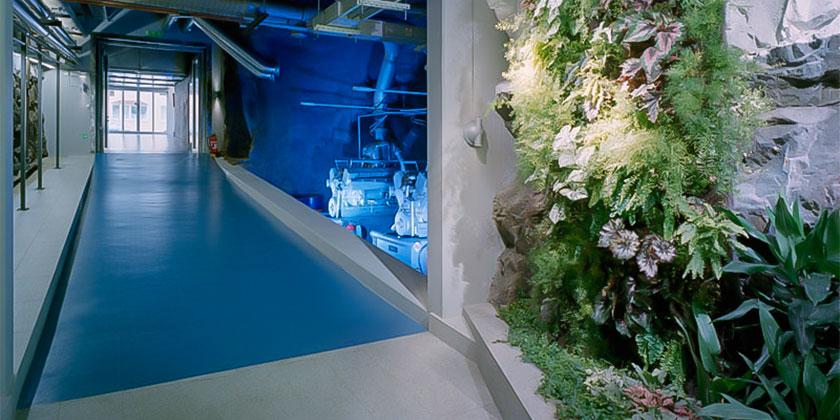 Golv lagt i Banhof moderna serverhall